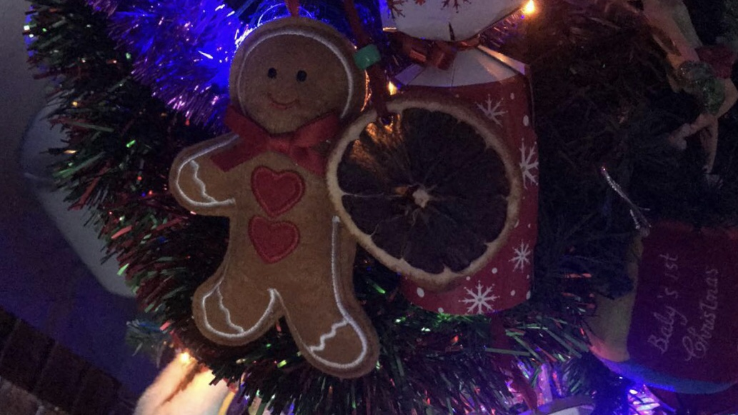 Blogmas day 10- how to stay happy at Christmas